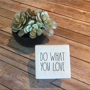Rae Dunn ❤️Artisan Collection– Ceramic Love sign